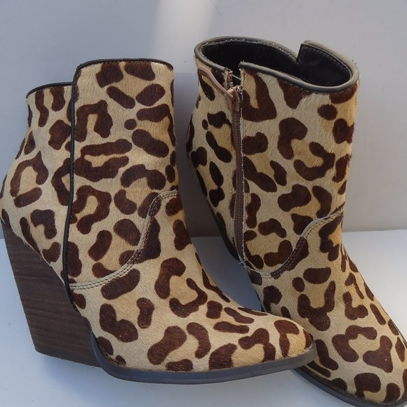 Size 7 Leopard Print Booties   Poshmark